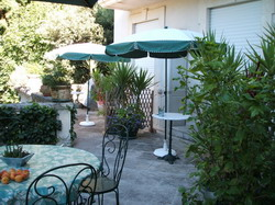 location, hotes, herault, Jardin jardin02_small.jpg
